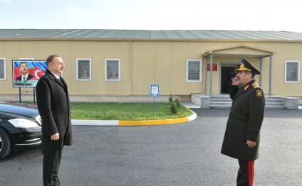 President Ilham Aliyev reviewed the conditions created at a military town of the Air Force of the Defense Ministry