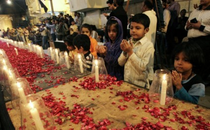 Pakistan hangs 4 militants for Peshawar school attack