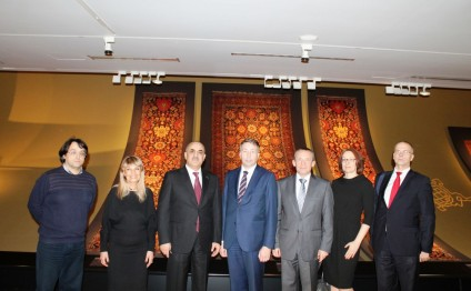 Latvian Minister for Welfare visits Carpet Museum in Baku