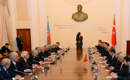 Azerbaijan`s Prime Minister meets his Turkish counterpart
