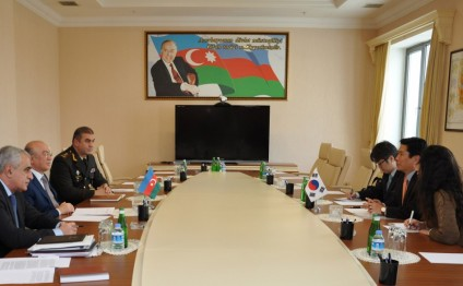 Azerbaijani Minister of Emergency Situations meets Korean Ambassador