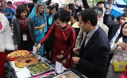 Azerbaijan joins Charity Bazaar in Vietnam