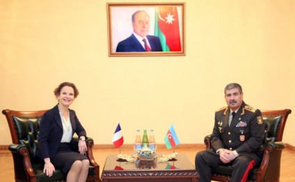 Azerbaijan`s Defence Minister meets French Ambassador
