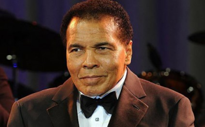 Muhammad Ali defends Muslims in response to Donald Trump's ban plan