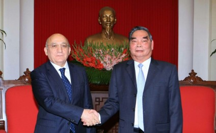 YAP deputy Executive Secretary meets with member of Political Bureau of Vietnam`s Communist Party