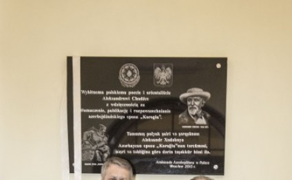 Memorial plaque to translator of Koroglu epic unveiled in Poland