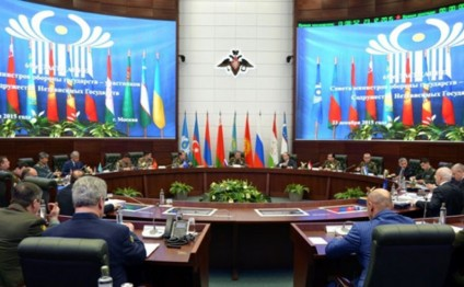 Azerbaijan`s Hasanov attends meeting of CIS Council of Defense Ministers