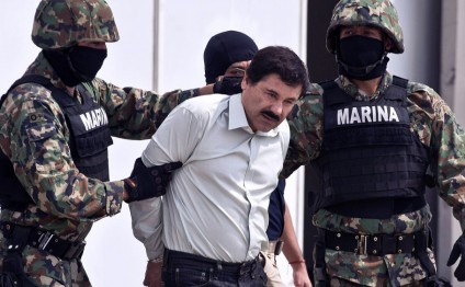 El Chapo, escaped Mexican drug lord, is recaptured in gun battle