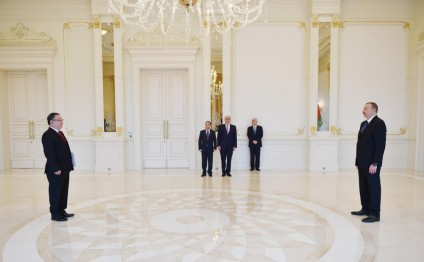 President Ilham Aliyev received the credentials of the newly appointed Mongolian Ambassador
