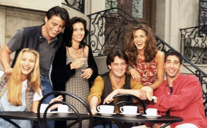 'Friends' cast returning to NBC in February