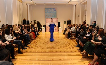 """Nakhishini sech"" fashion show held in Baku"