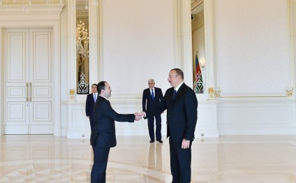 President Ilham Aliyev received credentials of incoming Romanian Ambassador