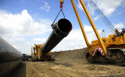 Azerbaijani minister reveals plans to build new oil pipeline with Kazakhstan