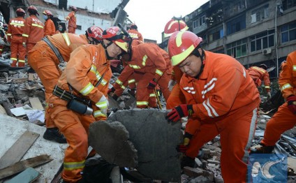 10 dead in building collapse in Wenzhou