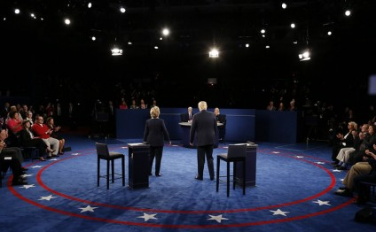 Trump-Clinton's second Presidential debate breaks Twitter, Facebook records
