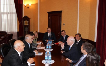 Azerbaijan, Italy discuss cooperation in energy field