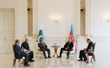 President Ilham Aliyev met with Pakistani PM Muhammad Nawaz Sharif in limited format