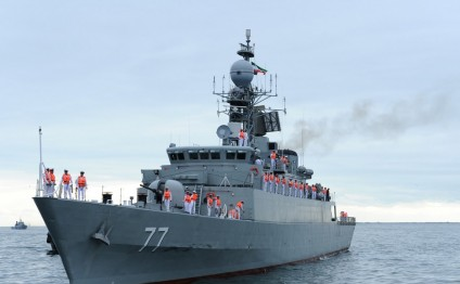 Iranian warships arrive in Baku