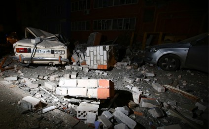 Rescuers evacuate 15 people from house hit by gas explosion in Ryazan