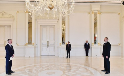 President Ilham Aliyev received credentials of incoming Canadian Ambassador