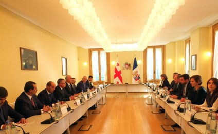 Azerbaijan's Economy Minister meets with Georgian President in Tbilisi