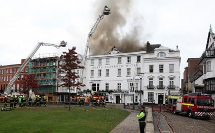 Exeter fire wrecks 'oldest hotel in England'