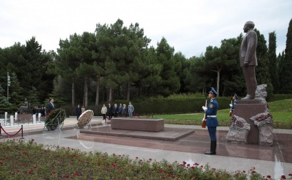 President of Chamber of Deputies of Brazil pays respect to national leader Heydar Aliyev and Azerbaijani martyrs