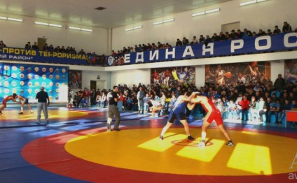 Azerbaijani freestyle wrestlers bring four medals from Dagestan