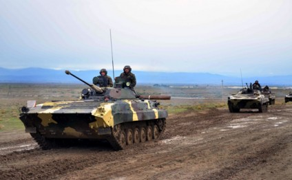 Live-fire exercises of armored vehicle units began in frontline zone