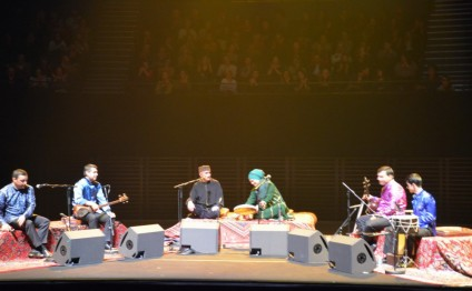Azerbaijani mugham master gives concert in France