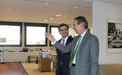 Azerbaijan, Spain discuss cooperation in field of information exchange