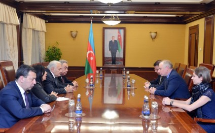 Delegation of European Conservatives Group at PACE visits Azerbaijani Parliament