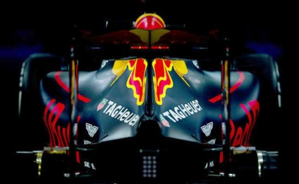 Red Bull and Tag Heuer extend engine deal