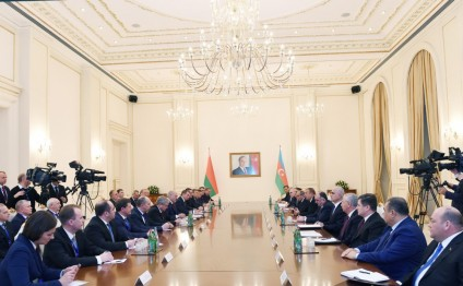 Azerbaijani and Belarus presidents held expanded meeting
