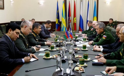 Azerbaijani, Russian defense ministries sign cooperation plan for 2017