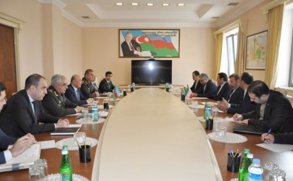 Azerbaijani emergencies minister meets with Iranian ICT minister