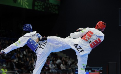 Azerbaijani taekwondo fighter Harchegani becomes champion of 4th Islamic Solidarity Games