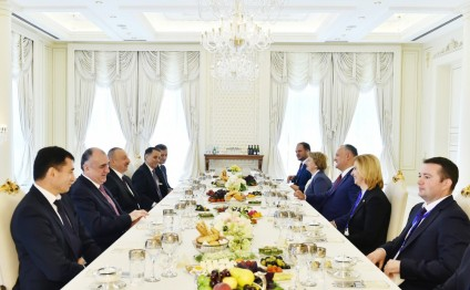 President Ilham Aliyev hosted official dinner reception in honor of Moldovan President