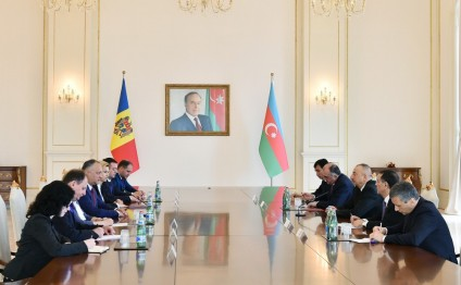 President Ilham Aliyev and President Igor Dodon held expanded meeting
