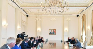 President Ilham Aliyev received delegation led by chairman of BP Board