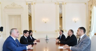 President Ilham Aliyev received Mayor of Cannes VIDEO