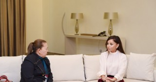 Azerbaijani first lady Mehriban Aliyeva meets with Vice-President of Colombian National Congress