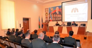 NATO's Mobile Training Team conducts seminar in Baku