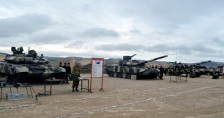 Azerbaijani Defense Minister gives instruction in connection with transfer of weapons and military equipment to winter operation mode