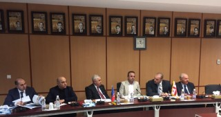 Chairman of Azerbaijan Railways visits Iran