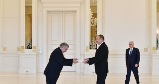 President Ilham Aliyev received credentials of incoming Uruguayan Ambassador