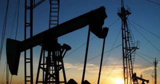 Oil price rises on world markets