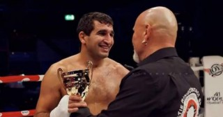 Azerbaijani kickboxer knocks out Armenian rival