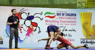 Junior Azerbaijani freestyle wrestlers win silver medal in Iran