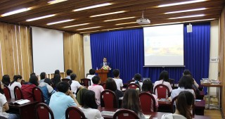 Azerbaijani ambassador gives lecture at Vietnamese University